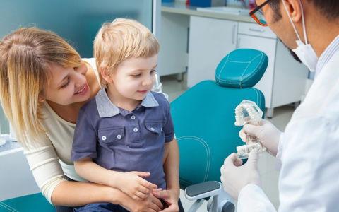 Как организовать визит ребенка к стоматологу