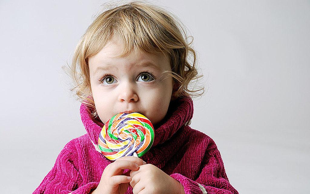 Сладости плохо влияют на состояние зубов