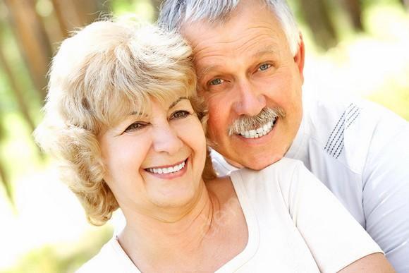 Сравнение базальной и классической имплантации зубов