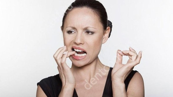 запах изо рта во время голодания