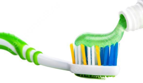 На фото зубная паста с отбеливающим эффектом