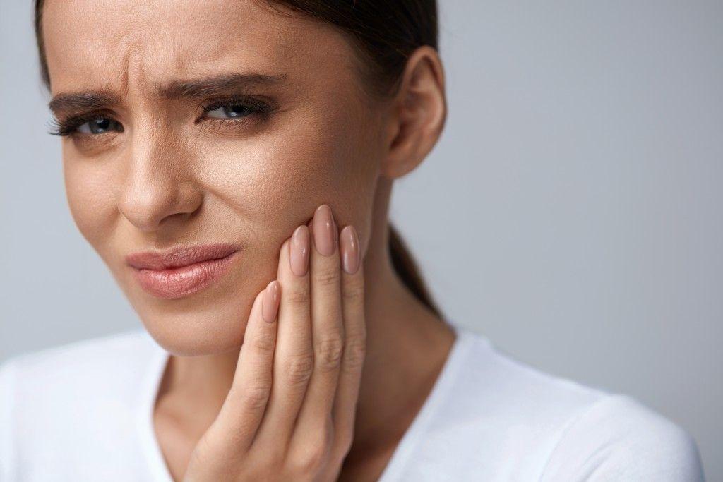 болит зуб что делать
