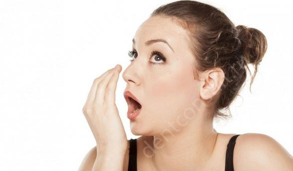 Как избавиться от запаха изо рта самостоятельно