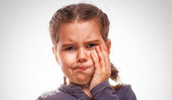 фото: зубная боль у ребенка