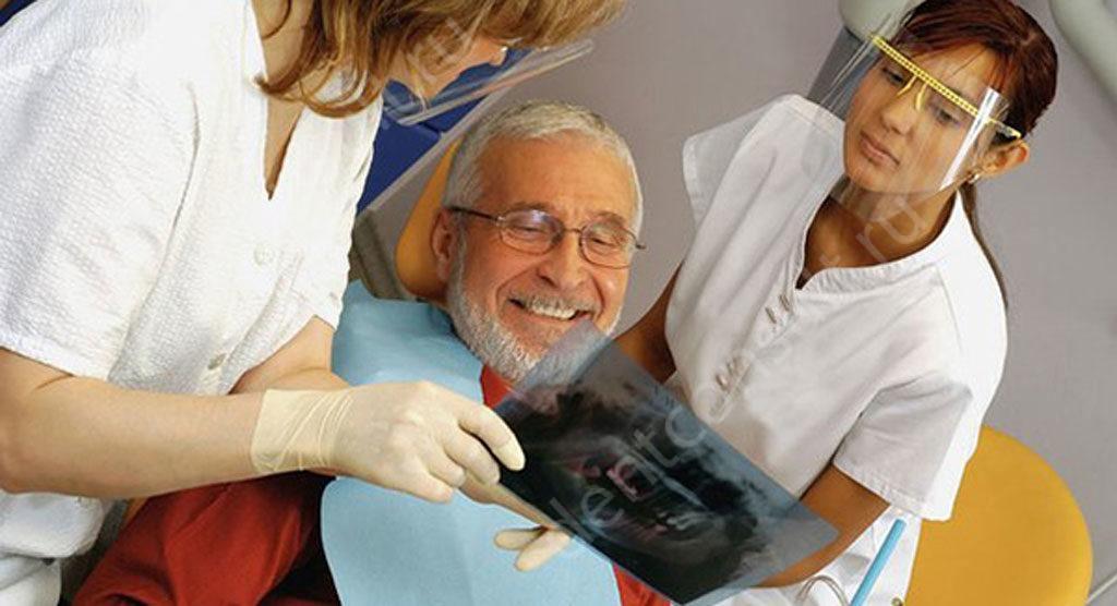 Льготное протезирование зубов ветеранам труда