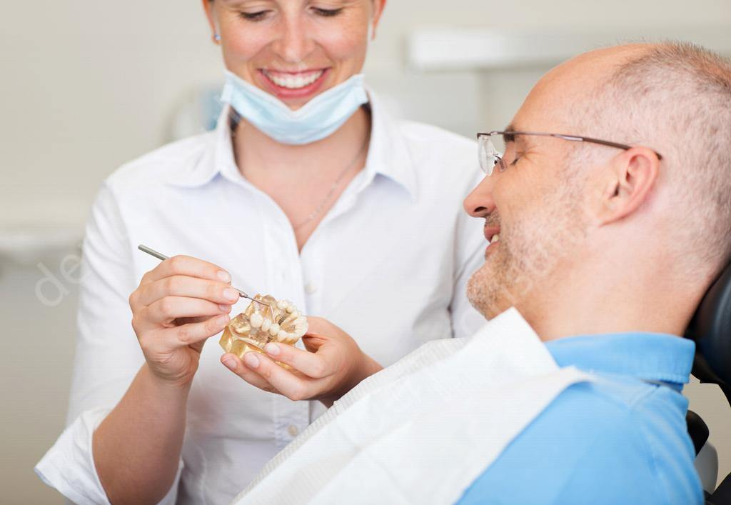 протезирование или имплантация зубов