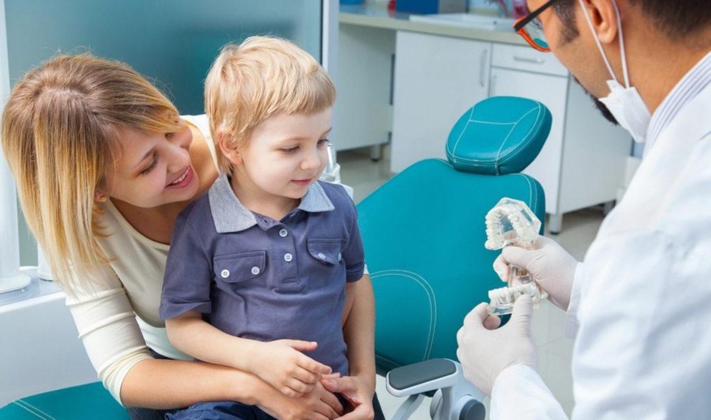 визит ребенка к стоматологу