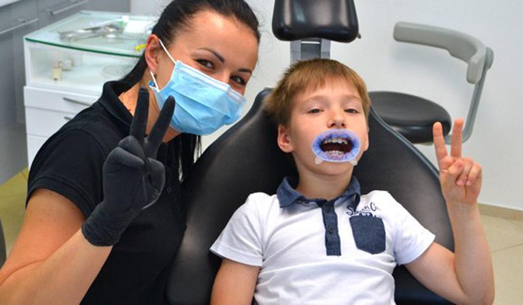отбеливать зубы в детском возрасте