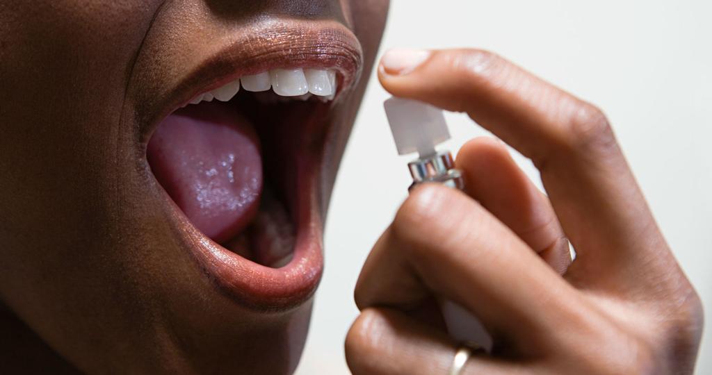 Избавиться от неприятного запаха можно с помощью аптечных средств