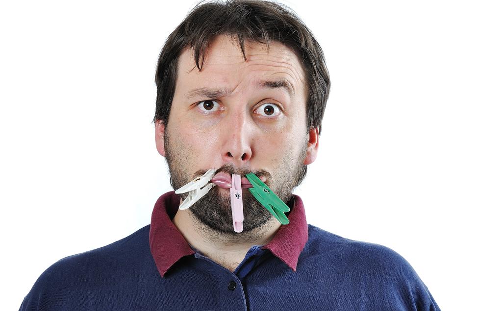 неприятный запах изо рта десен