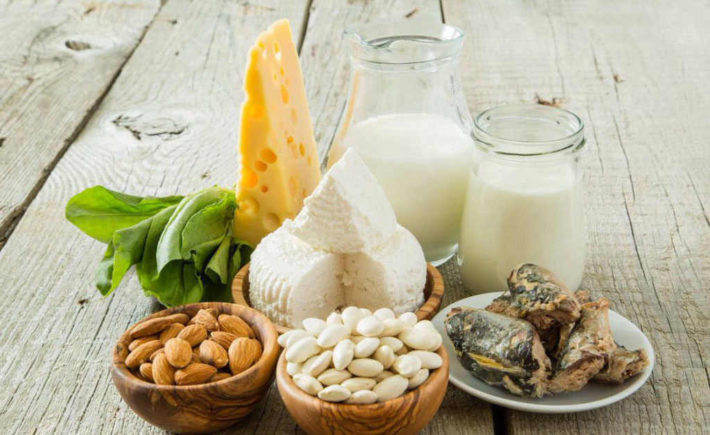 При беременности нужно употреблять продукты богатыми кальцием и фтором