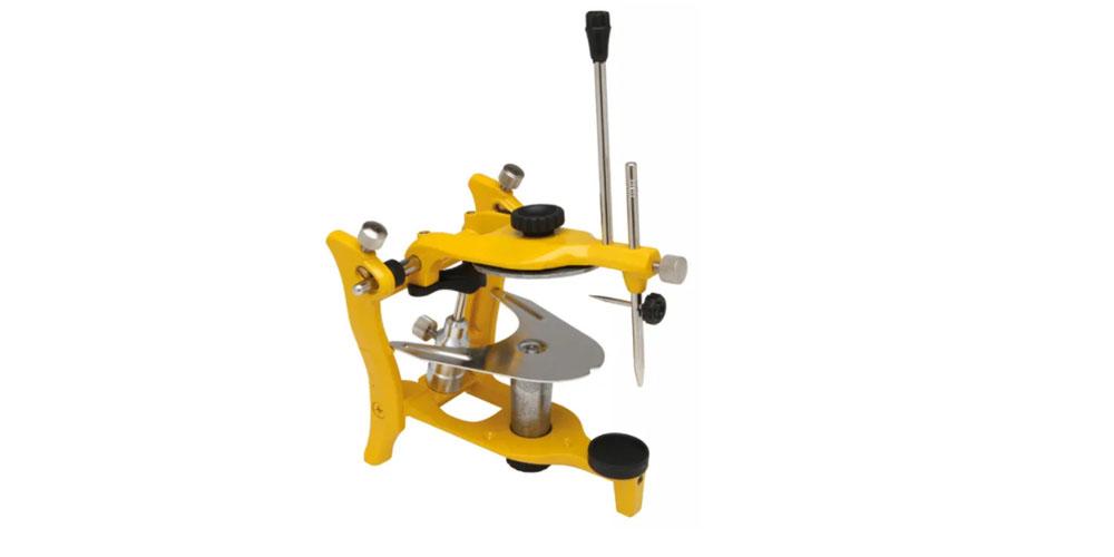 Артикулятор - прибор, используемый для оценки правильности жевательных контактов и подвижности нижней челюсти