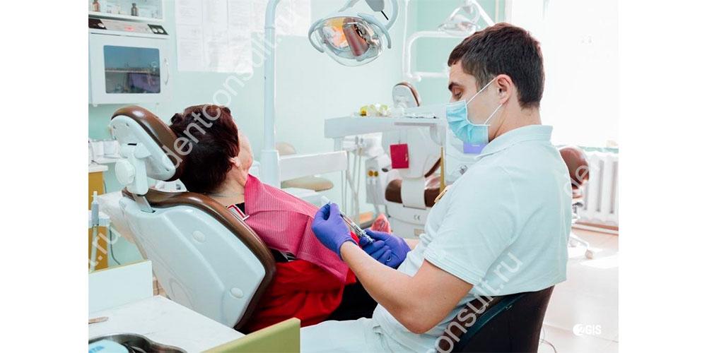 Диагностика начинается с осмотра полости рта пациента и изучения его анамнеза